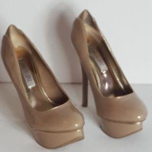 Jennifer Lopez Nude and Gold Sexy Platform Heels